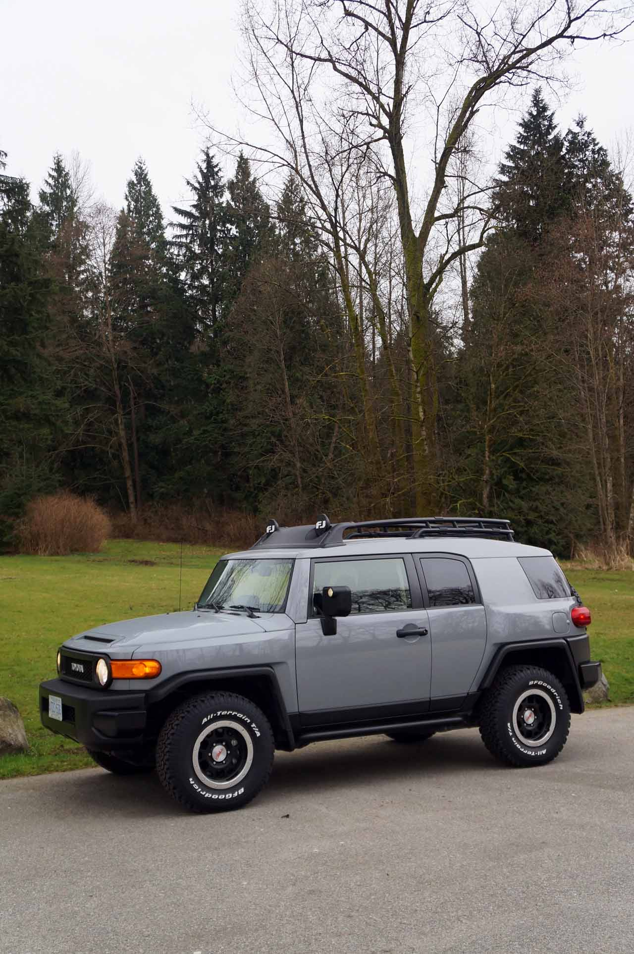 2013 Toyota Fj Cruiser Road Test Review Carcostcanada Trailer Wiring Ive Seen The Around Town For Last Few Years But I Hadnt Had Opportunity To Drive One Until Now Back In