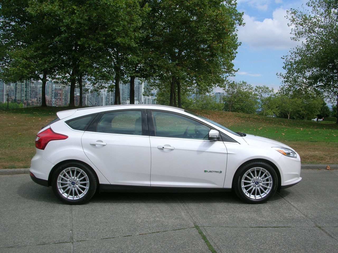 2014 ford focus electric road test review carcostcanada. Cars Review. Best American Auto & Cars Review