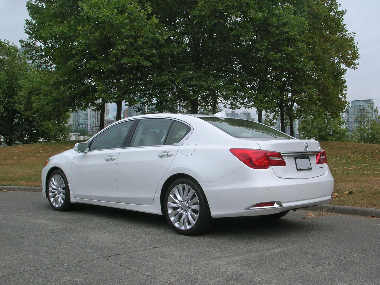 2014 Acura RLX Elite Road Test Review | CarCostCanada