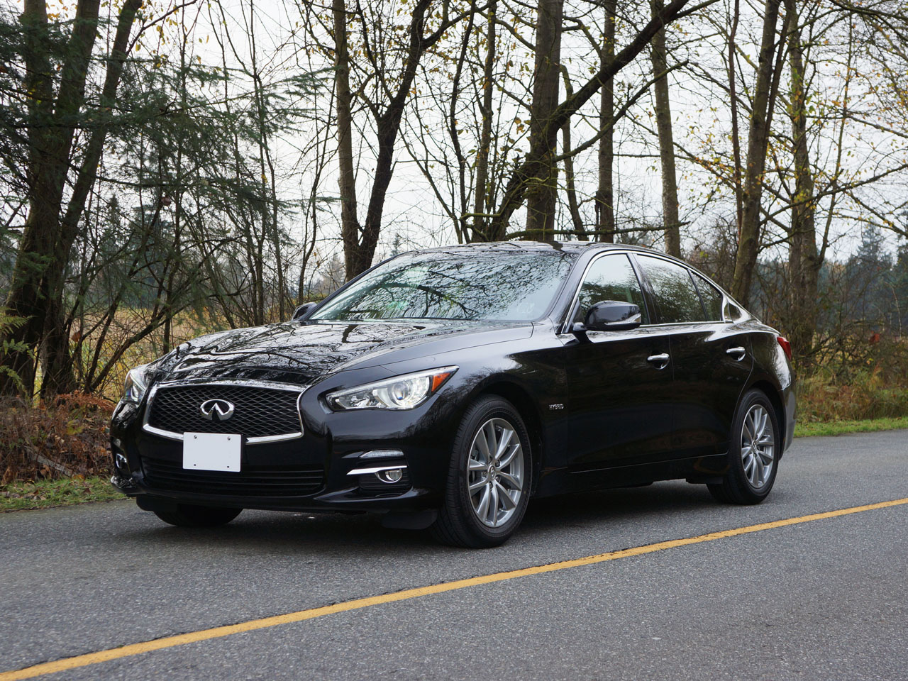 2014 infiniti q50 hybrid road test review carcostcanada. Black Bedroom Furniture Sets. Home Design Ideas