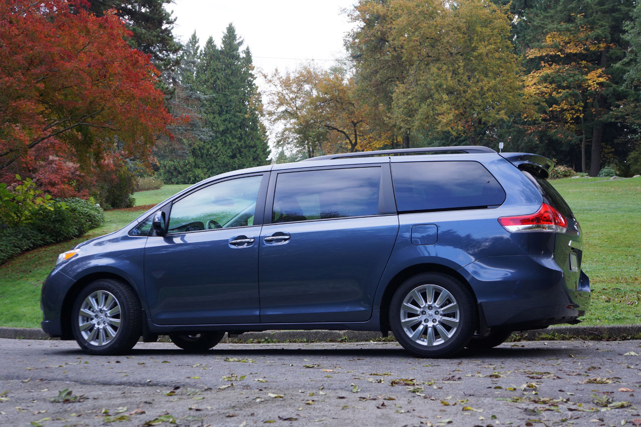 2014 toyota sienna xle limited road test review carcostcanada. Black Bedroom Furniture Sets. Home Design Ideas