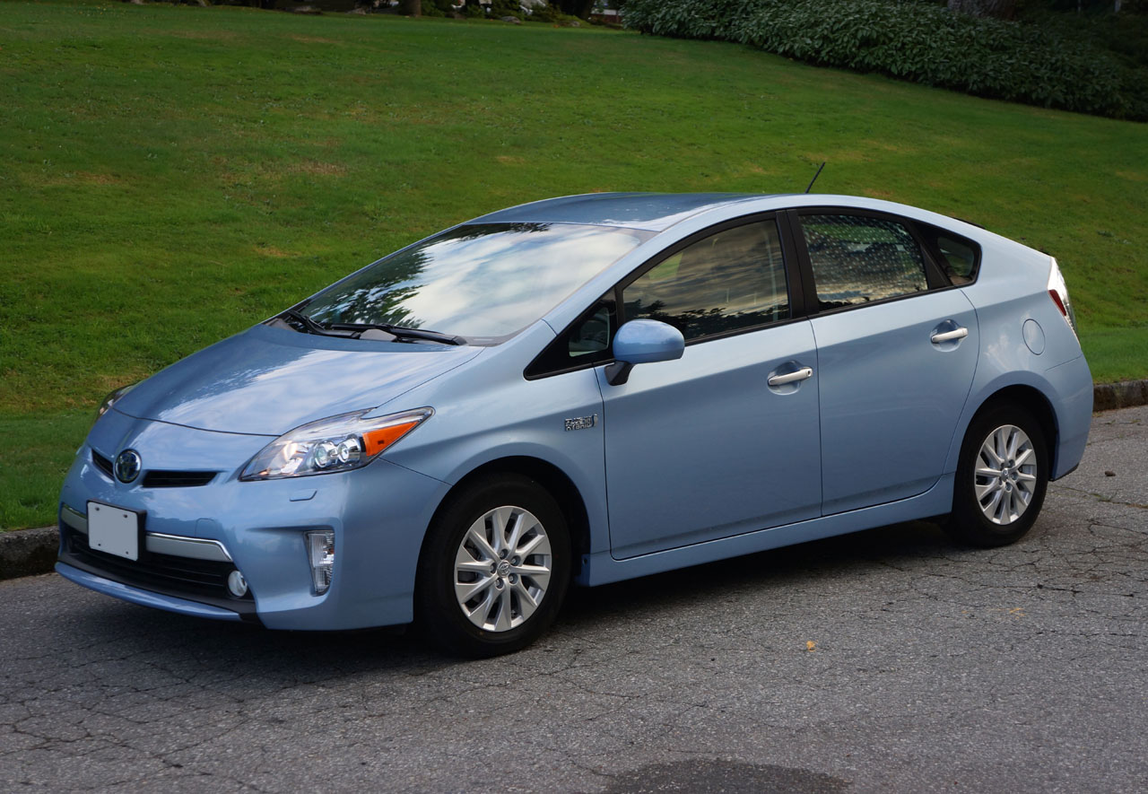 2014 toyota prius plug in hybrid road test review carcostcanada. Black Bedroom Furniture Sets. Home Design Ideas