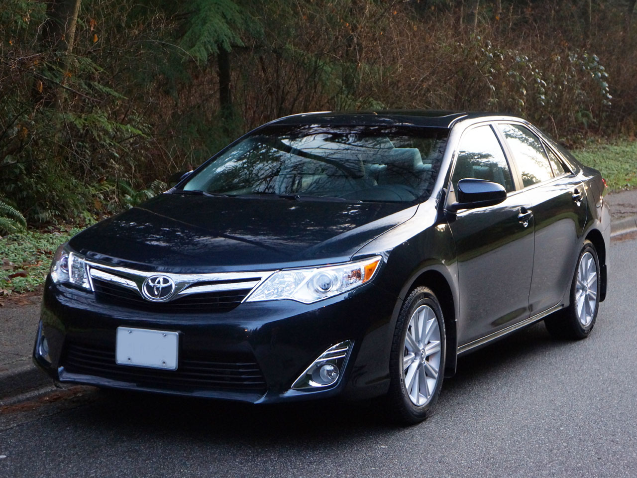 2014 Toyota Camry Xle Road Test Review Carcostcanada