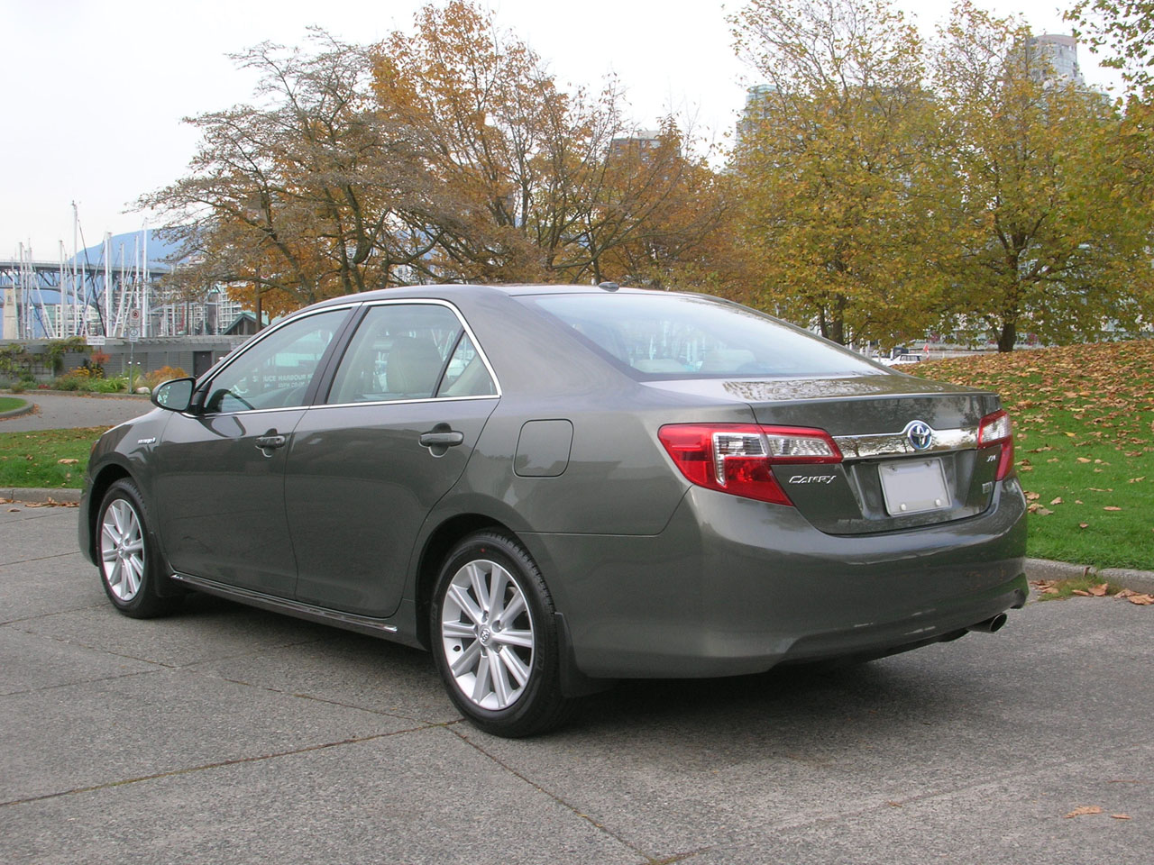 North Point Toyota >> 2014 Toyota Camry Hybrid XLE Road Test Review | CarCostCanada