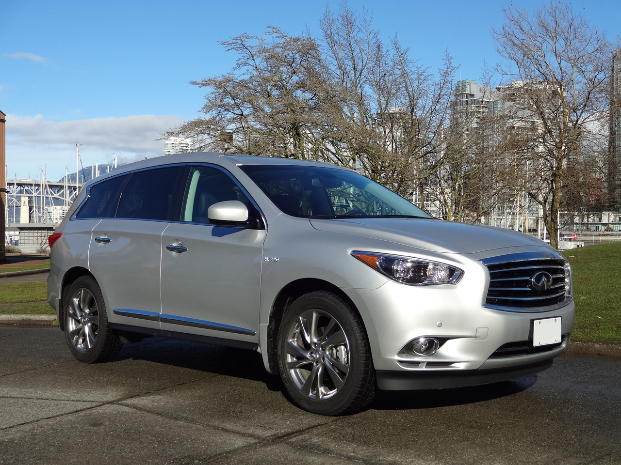 2014 infiniti qx60 hybrid road test review carcostcanada. Black Bedroom Furniture Sets. Home Design Ideas