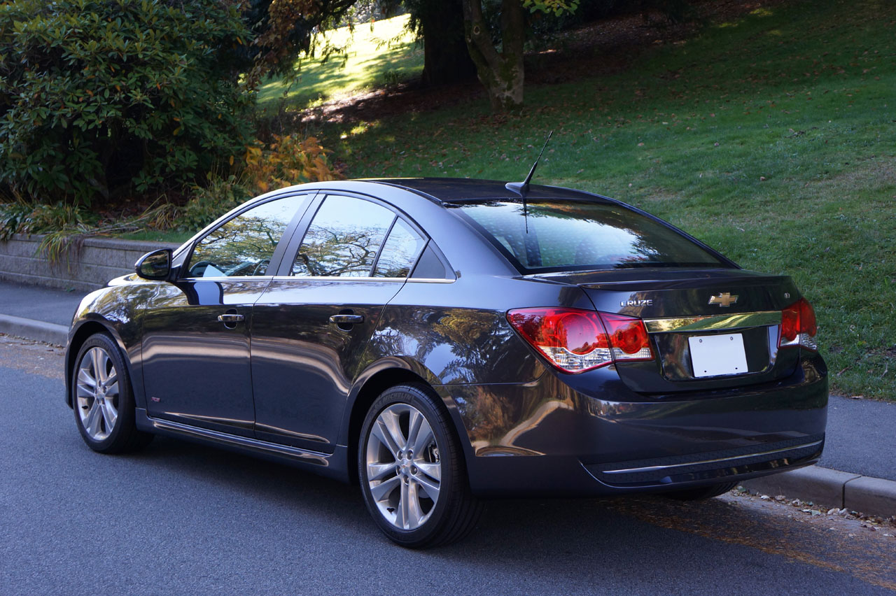 Cruze chevy cruze 2.0 td : 2014 Chevrolet Cruze 2LT RS Road Test Review | CarCostCanada