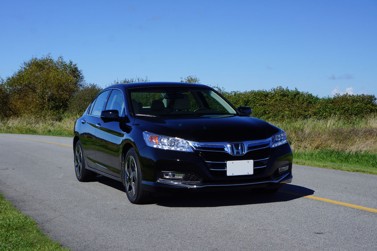 2018 Honda Clarity Plug in Hybrid Review - The Future is ...