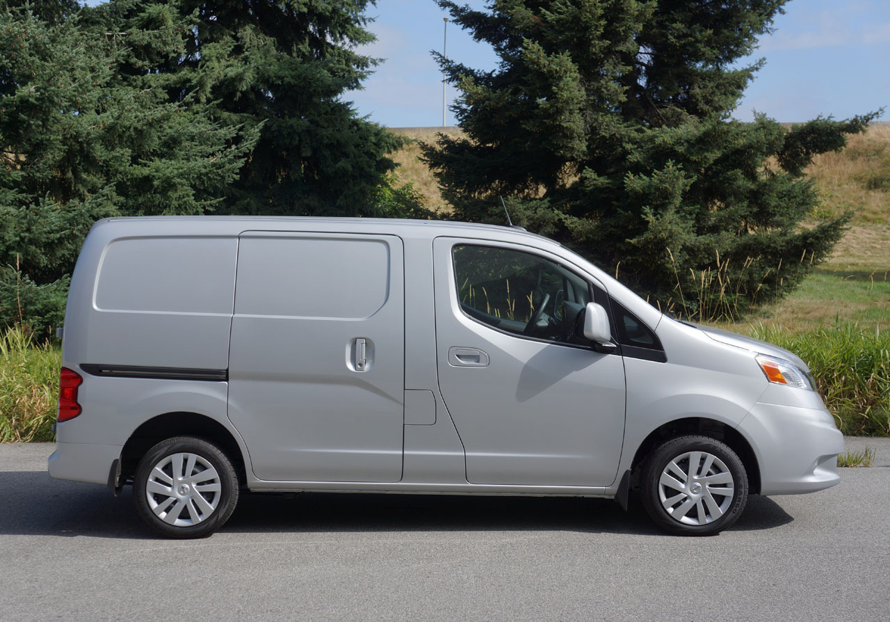 2014 nissan nv200 compact cargo sv road test review carcostcanada. Black Bedroom Furniture Sets. Home Design Ideas