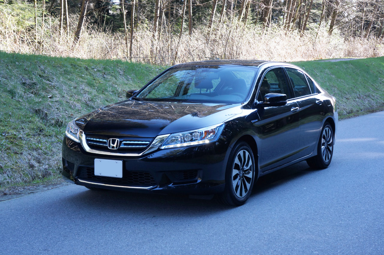 2014 honda accord hybrid touring road test review carcostcanada. Black Bedroom Furniture Sets. Home Design Ideas