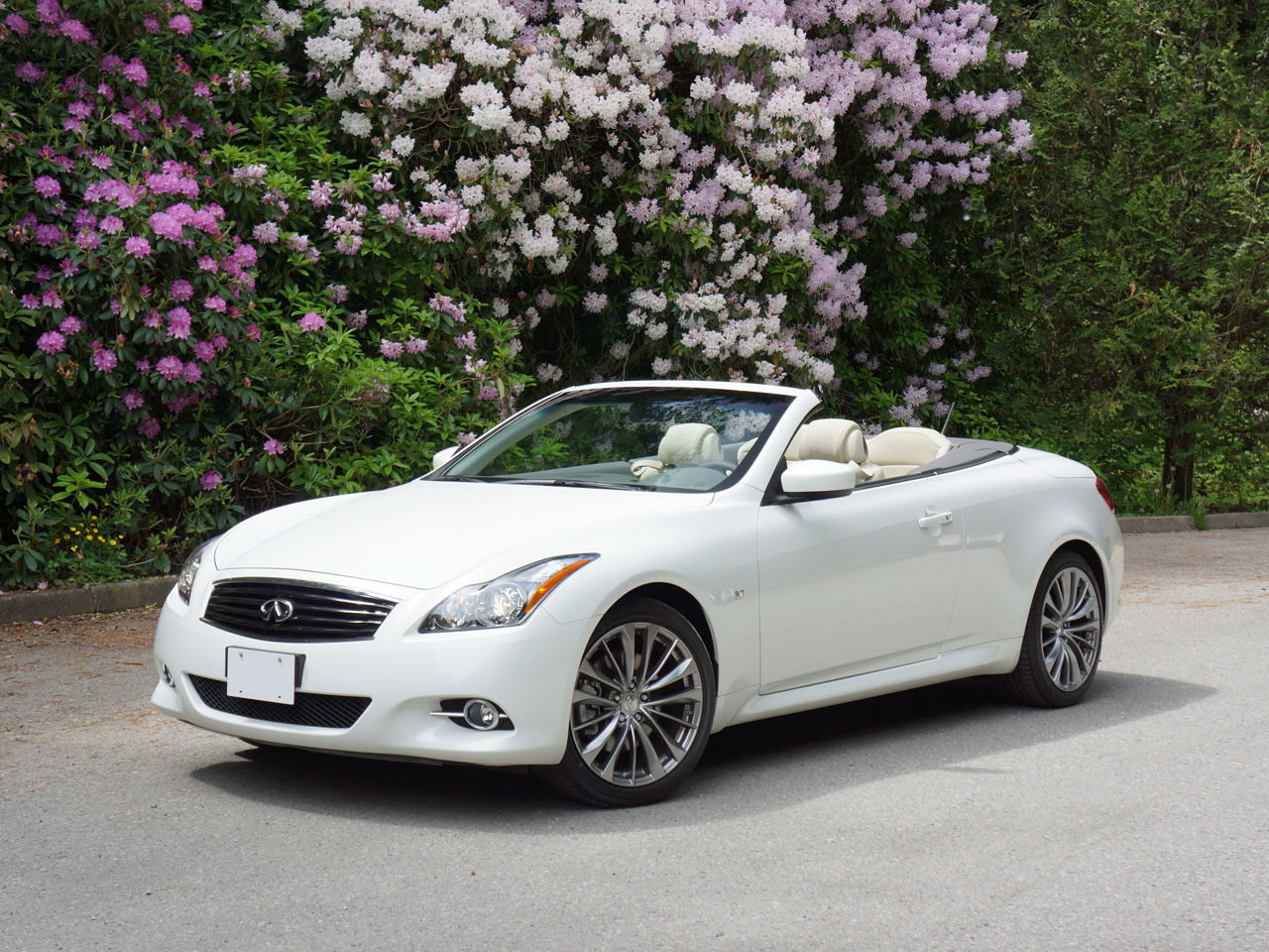 2014 infiniti q60 convertible road test review carcostcanada. Black Bedroom Furniture Sets. Home Design Ideas