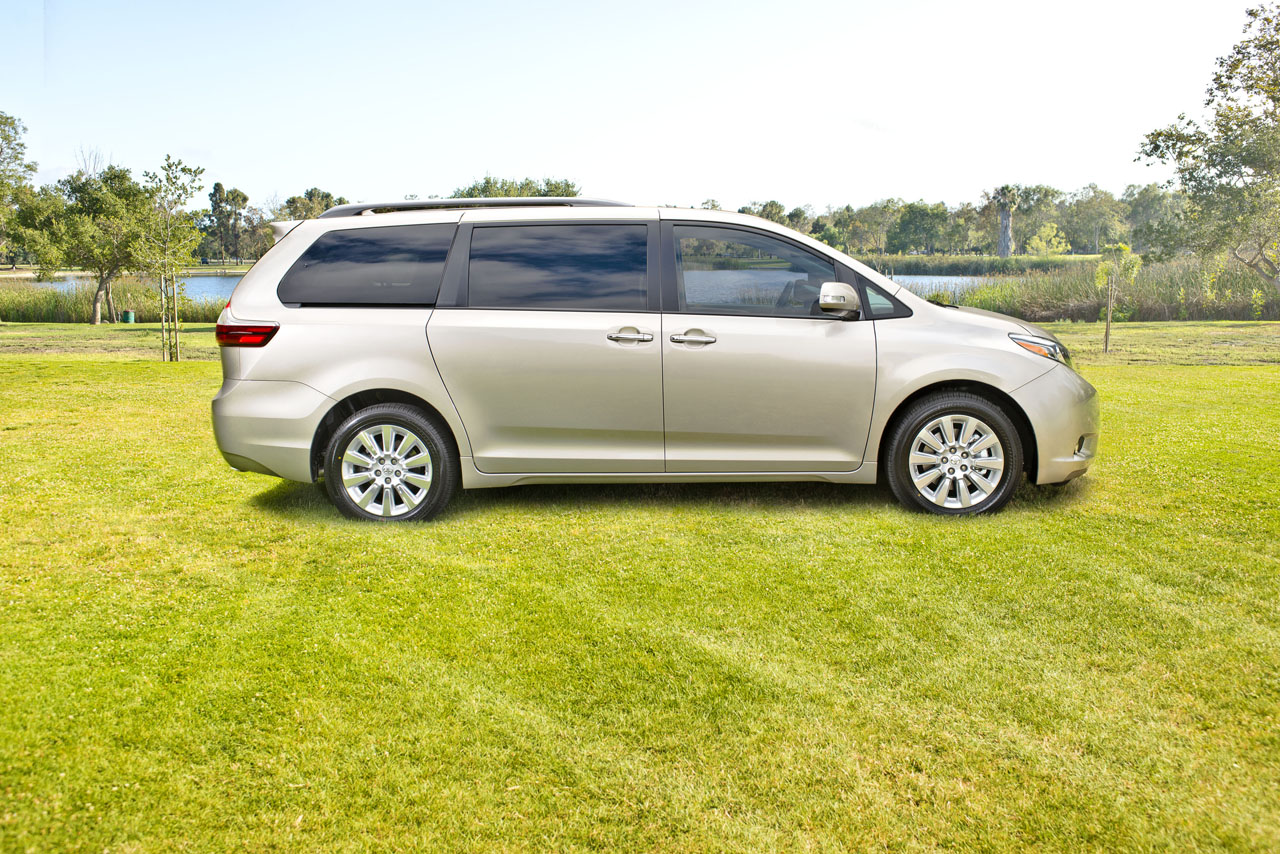 new 2015 toyota sienna reveals updated interior. Black Bedroom Furniture Sets. Home Design Ideas