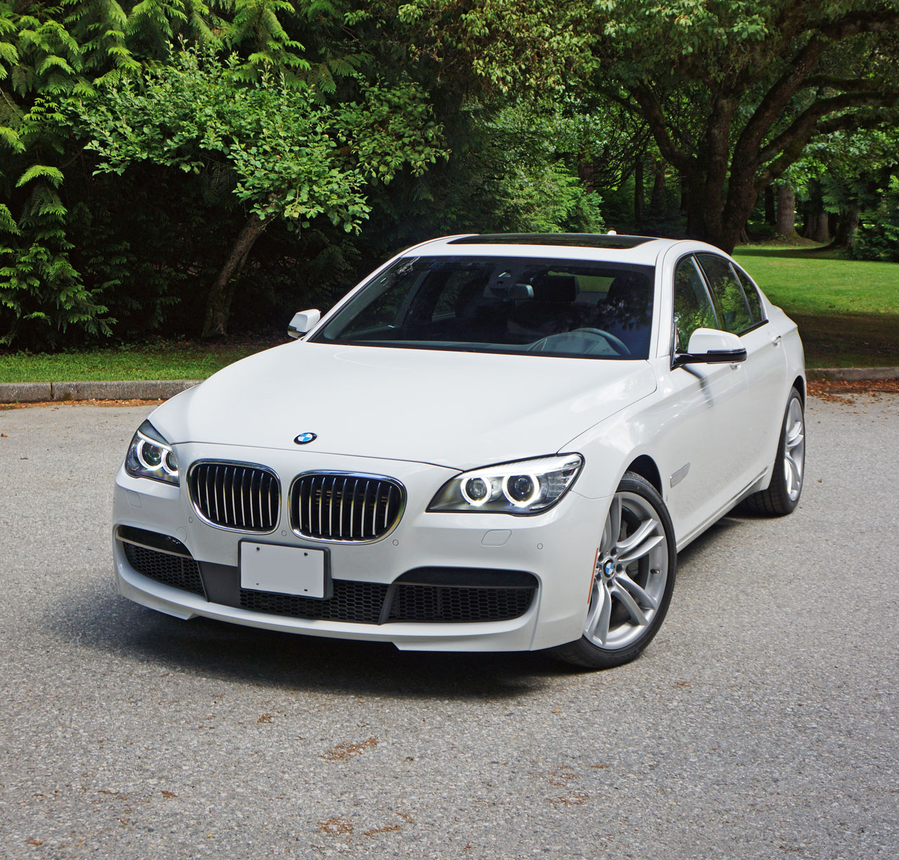 Bmw Xdrive System Review: 2014 BMW 750i XDrive Road Test Review