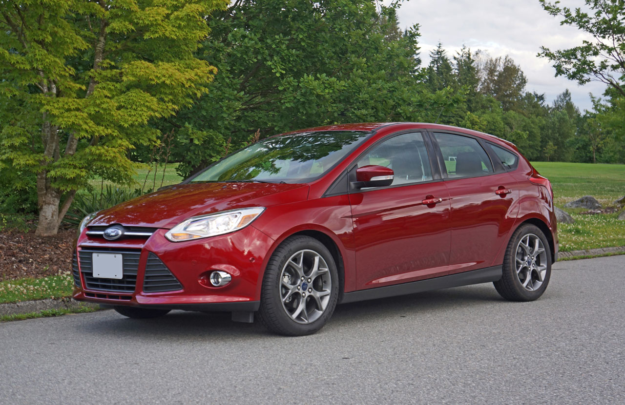 2014 ford focus se hatchback road test review carcostcanada. Black Bedroom Furniture Sets. Home Design Ideas