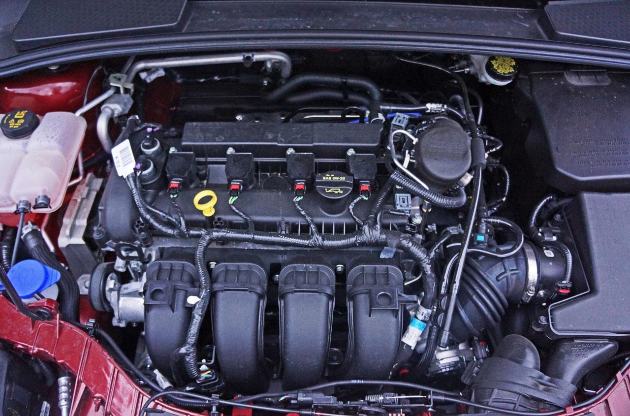 2014 Ford Focus Se Hatchback Road Test Review Carcostcanada