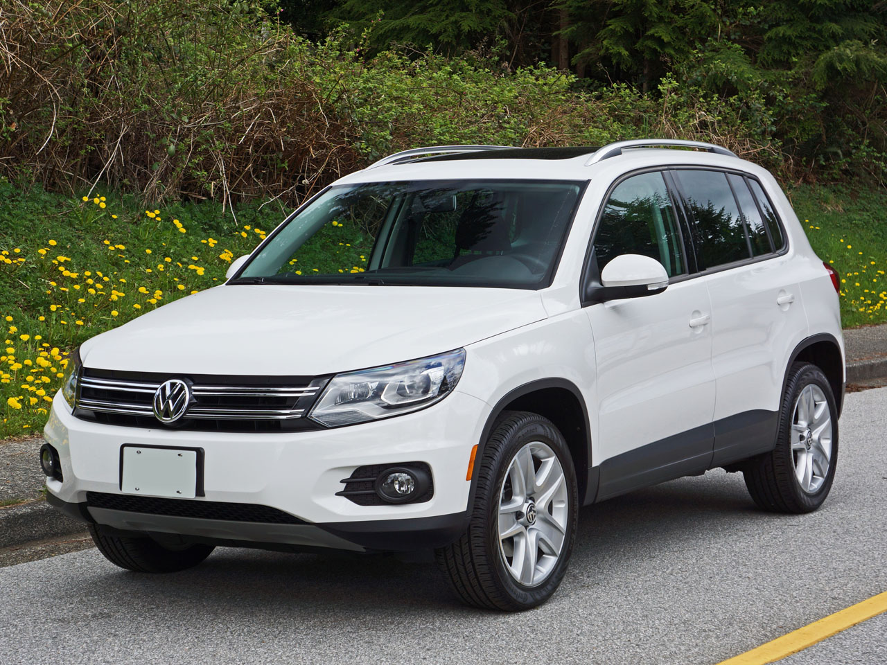 2014 volkswagen tiguan comfortline 4motion road test. Black Bedroom Furniture Sets. Home Design Ideas