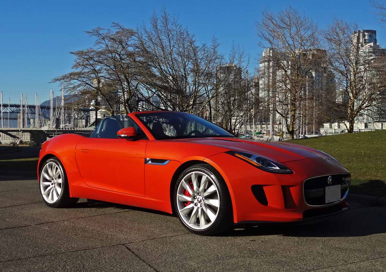 LIVING WITH A JAGUAR F-TYPE R - YouTube