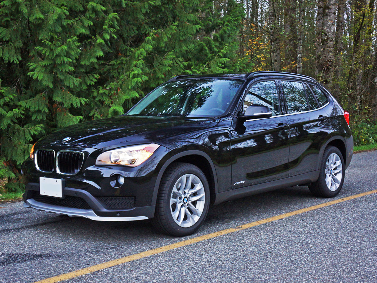 2015 bmw x1 xdrive28i road test review carcostcanada. Black Bedroom Furniture Sets. Home Design Ideas