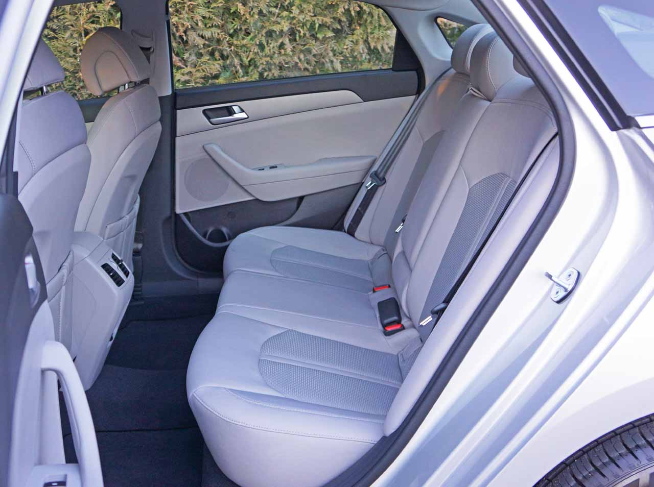 how much does a hyundai elantra cost autos post. Black Bedroom Furniture Sets. Home Design Ideas