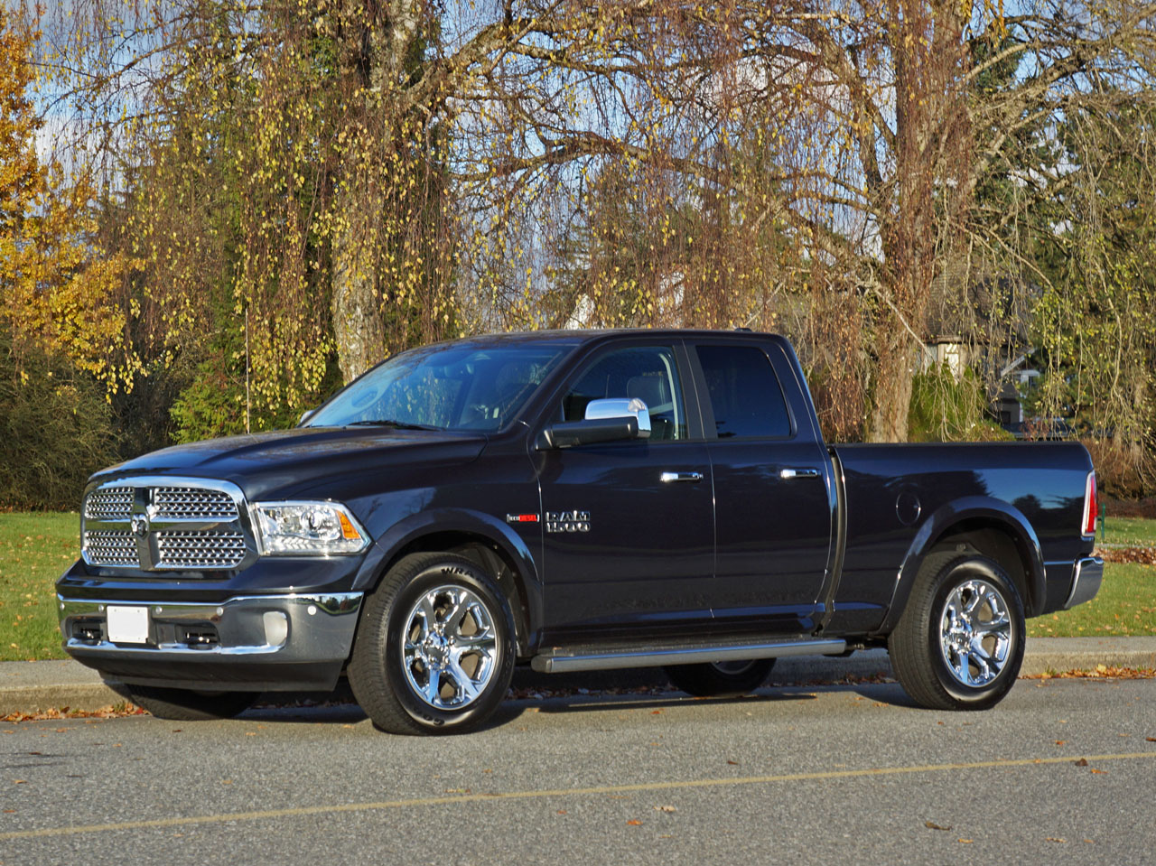 2015 ram 1500 ecodiesel laramie quad cab 4x4 road test review carcostcanada. Black Bedroom Furniture Sets. Home Design Ideas