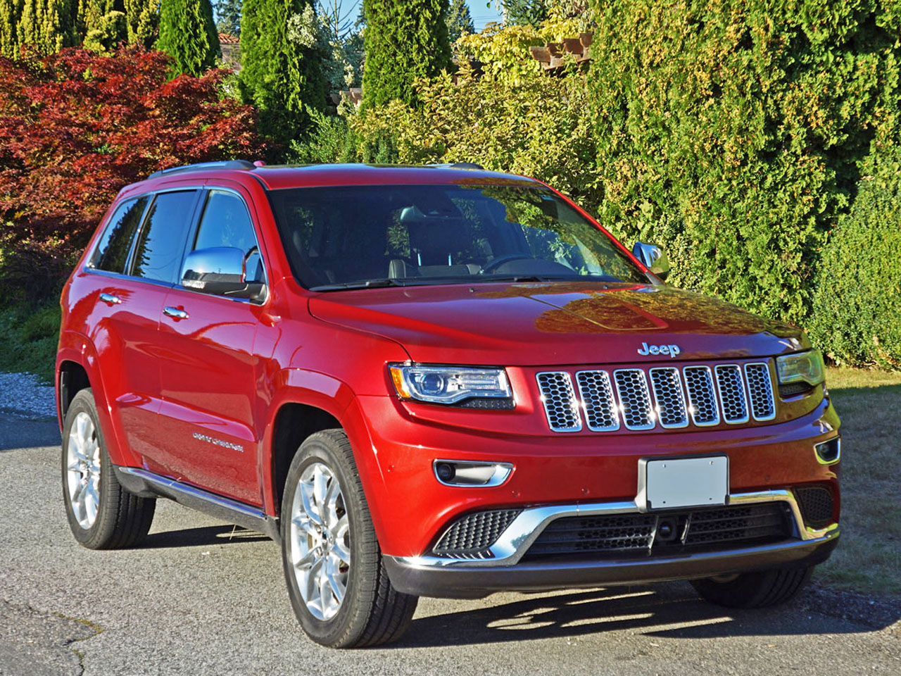 2015 jeep grand cherokee summit ecodiesel 4x4 road test review carcostcanada. Black Bedroom Furniture Sets. Home Design Ideas