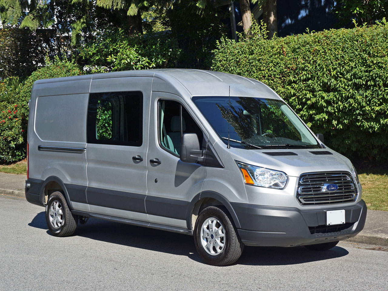 daily age drive debuts new ford front end hauler the van transit