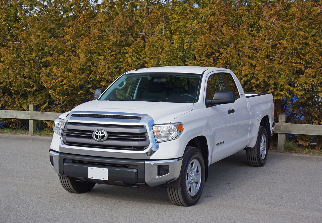 2015 toyota tundra double cab 4 6 sr5 4x4 road test review carcostcanada. Black Bedroom Furniture Sets. Home Design Ideas