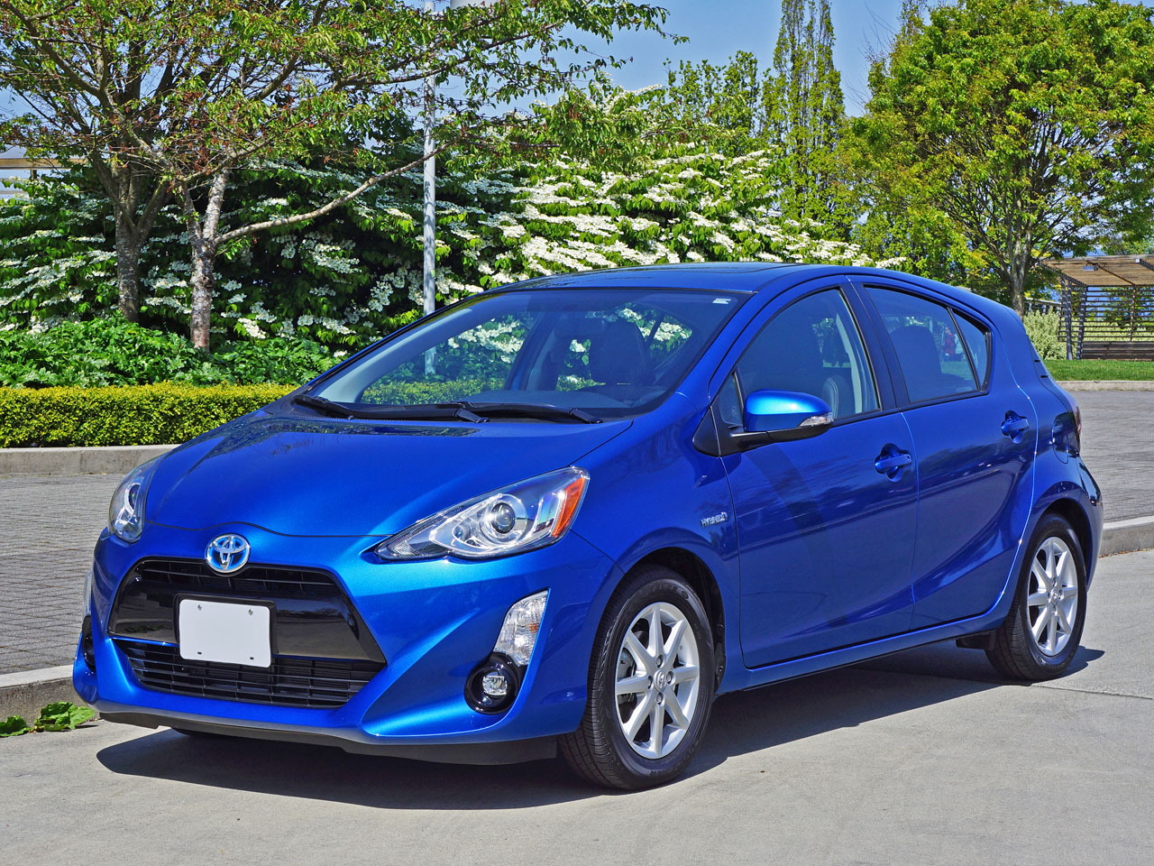 2015 toyota prius c technology road test review. Black Bedroom Furniture Sets. Home Design Ideas