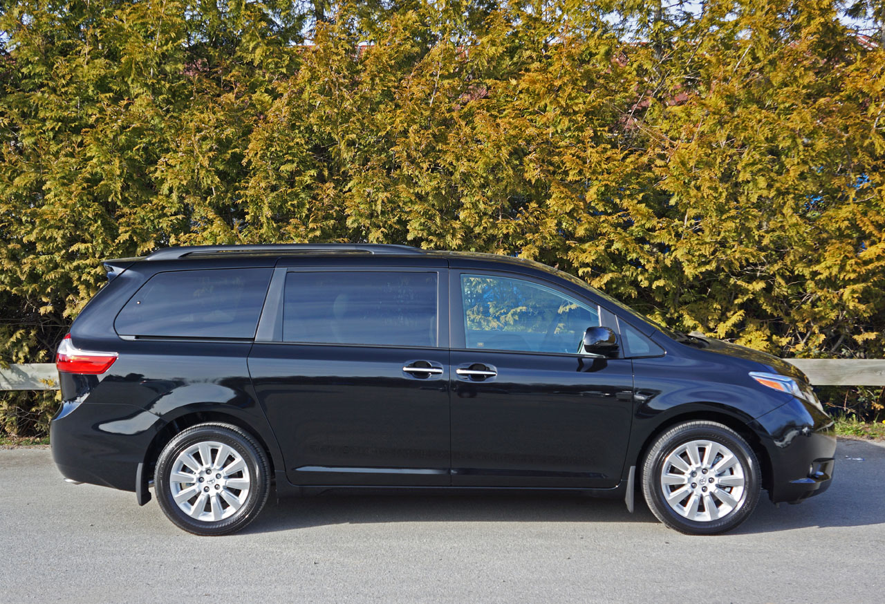 2015 toyota sienna xle awd road test review carcostcanada. Black Bedroom Furniture Sets. Home Design Ideas