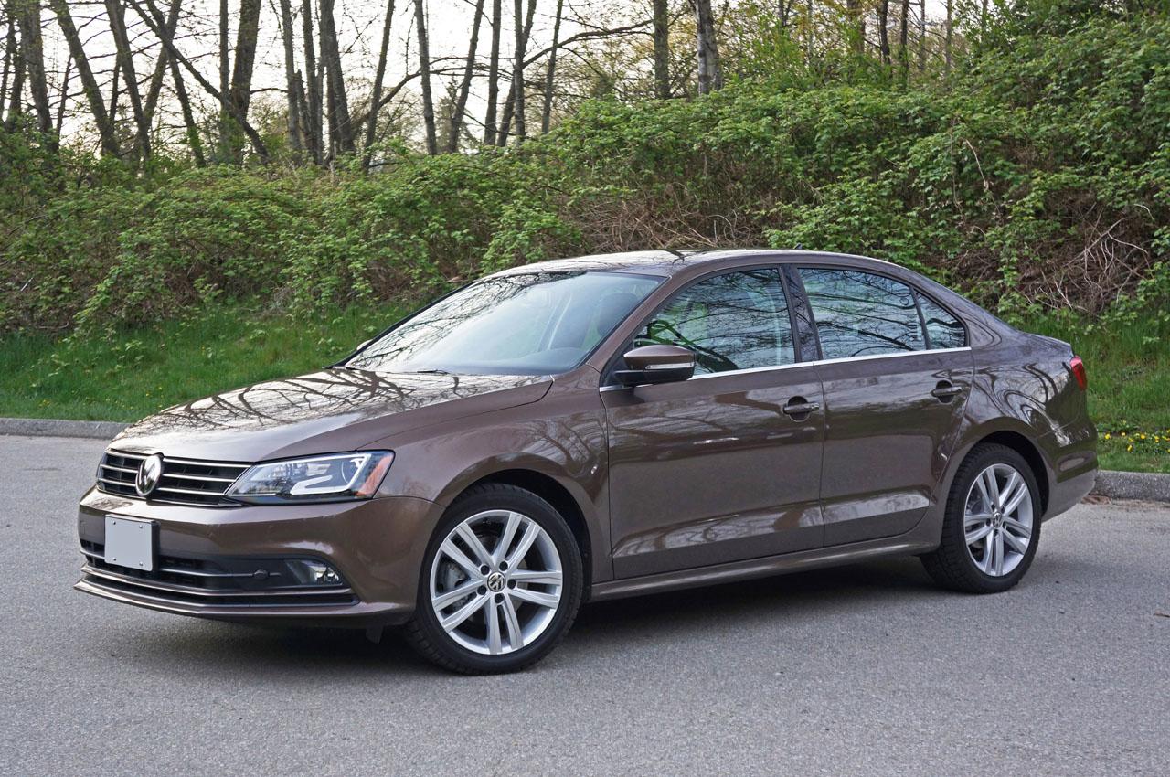 2015 Volkswagen Jetta TDI Highline Road Test Review   CarCostCanada