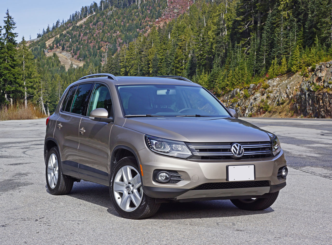 2015 volkswagen tiguan 2 0 tsi 4motion comfortline road. Black Bedroom Furniture Sets. Home Design Ideas