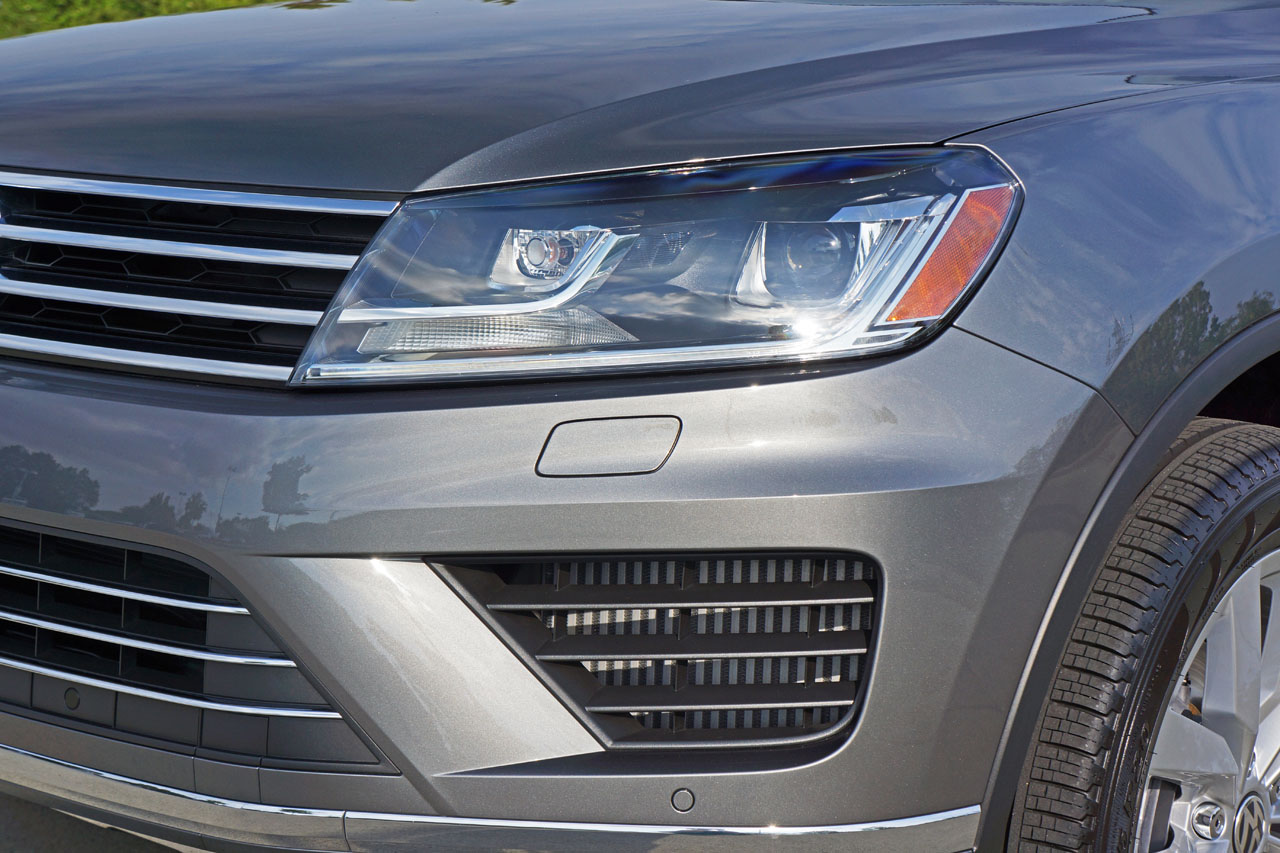 2015 Volkswagen Touareg Tdi Execline Road Test Review Carcostcanada Trailer Wiring Harness Every Time I Climb Into A Im Reminded That This Is No Volume Crossover Suv From Mainstream Automaker