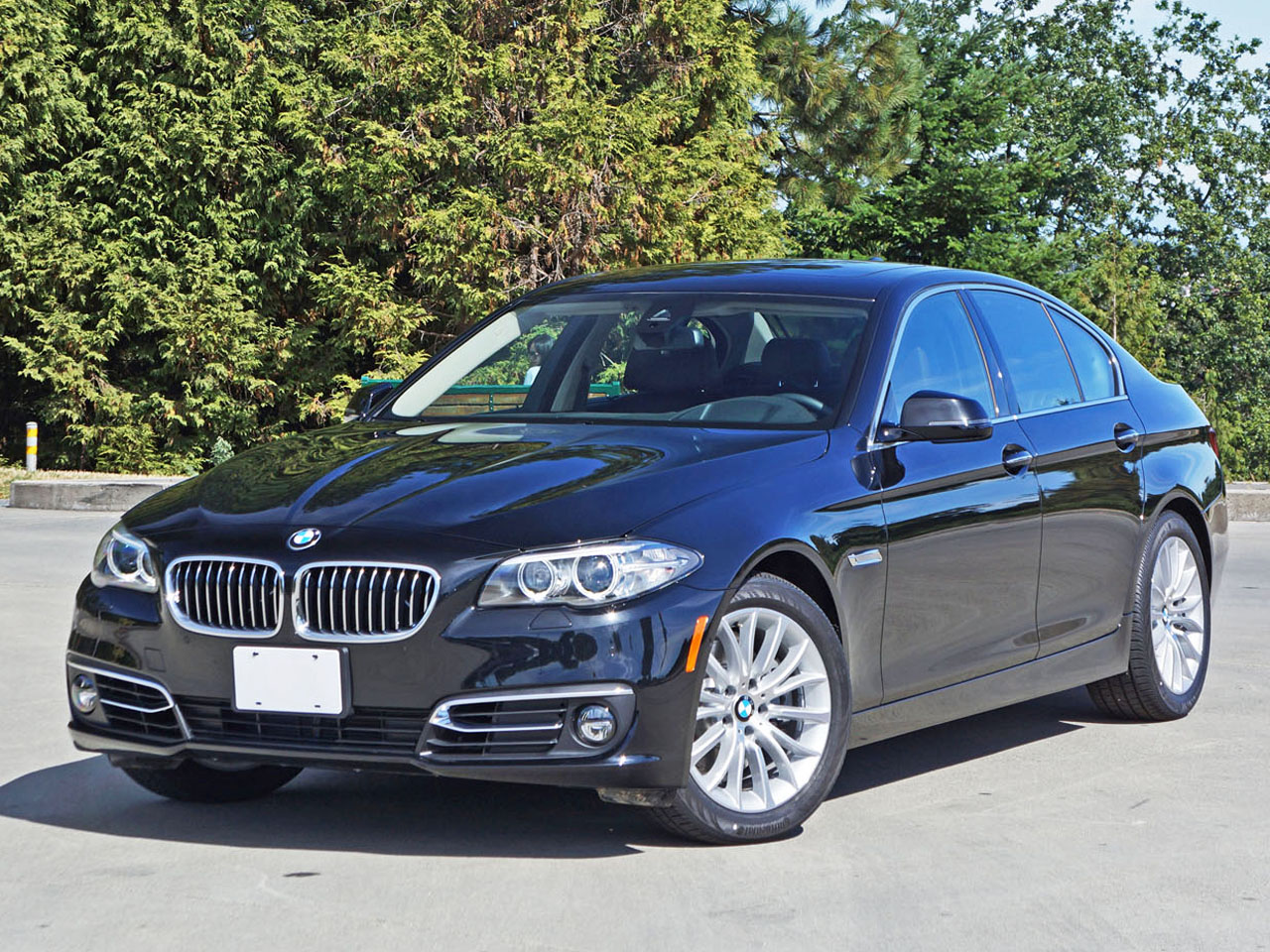 2015 Bmw 528i Xdrive Road Test Review Carcostcanada
