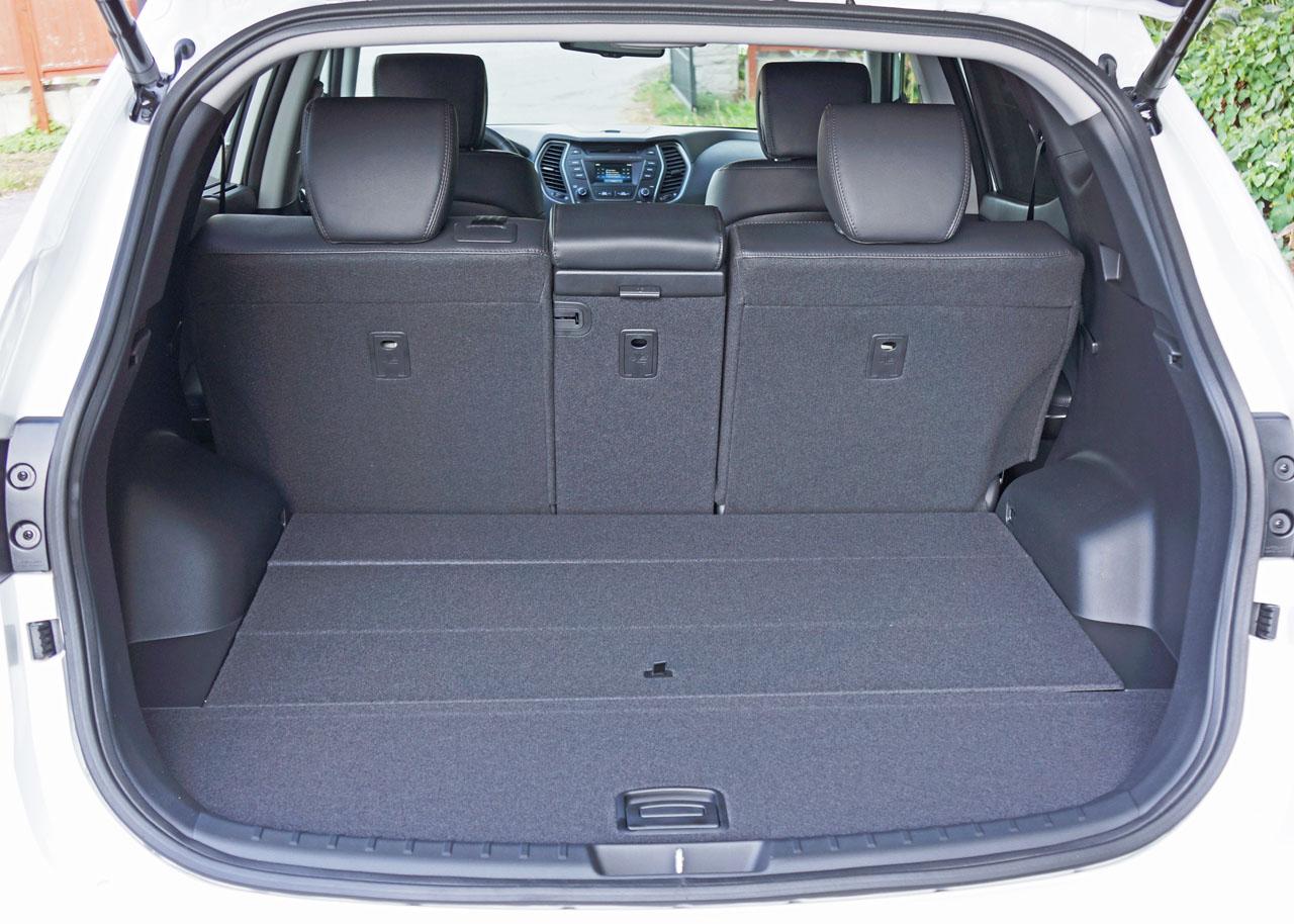 hyundai santa fe sport cargo space auto express. Black Bedroom Furniture Sets. Home Design Ideas
