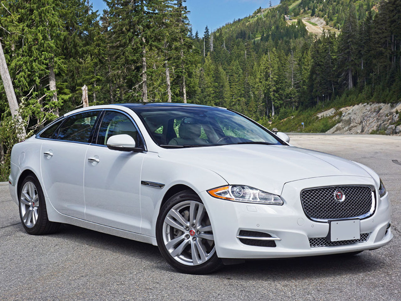 2015 jaguar xjl portfolio awd road test review carcostcanada. Black Bedroom Furniture Sets. Home Design Ideas