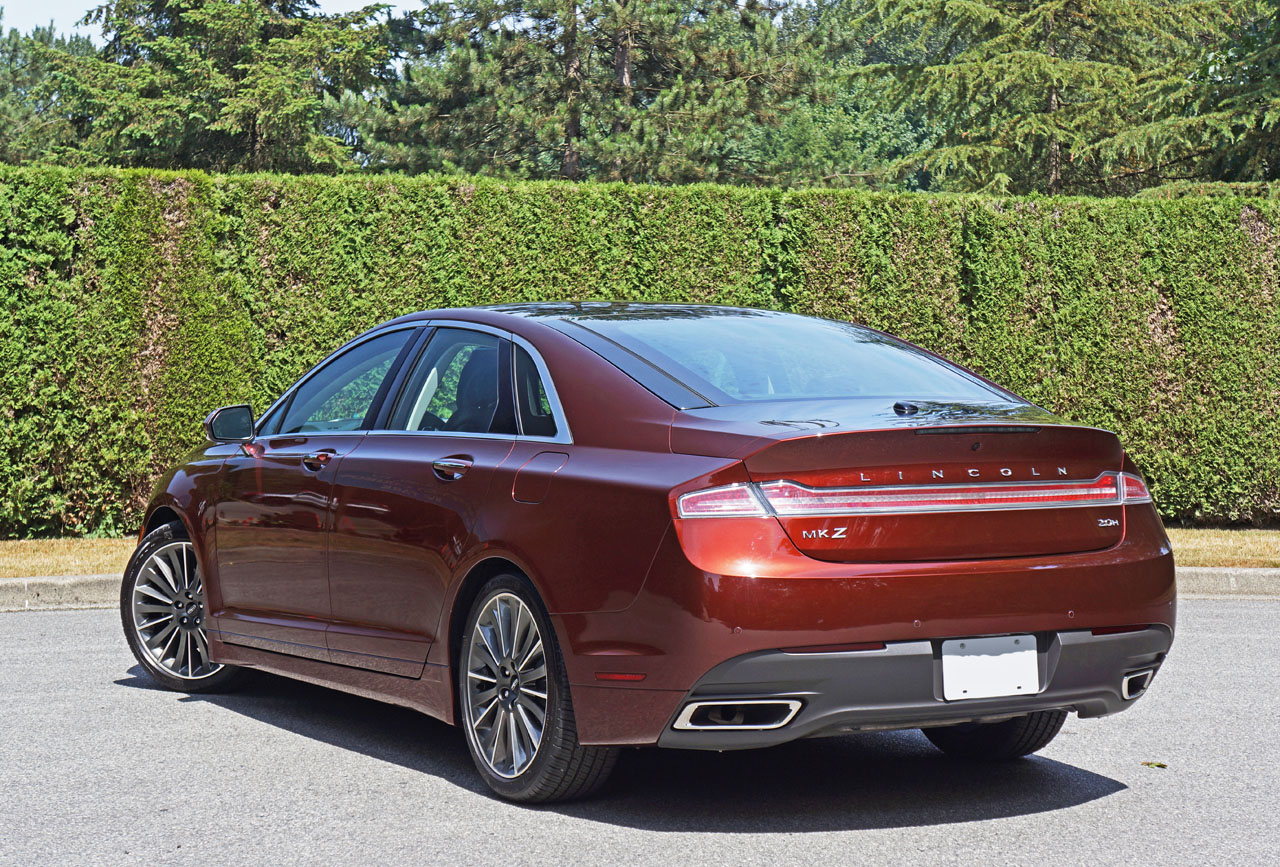 2015 lincoln mkz hybrid road test review carcostcanada. Black Bedroom Furniture Sets. Home Design Ideas