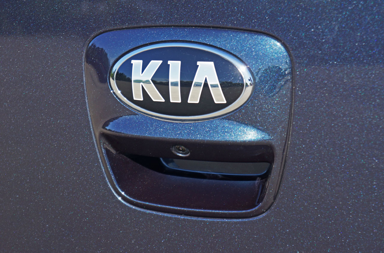 this sized the fs to is has optima edition image kia full click resized bar been original vendor logo sets store forum emblem new view k black