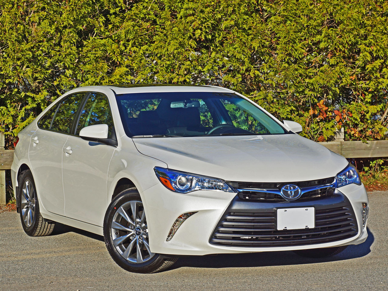 2016 Toyota Camry Xle Road Test Review