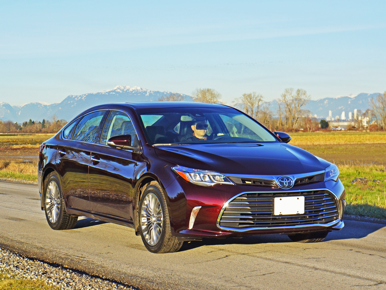 2016 toyota avalon limited road test review carcostcanada. Black Bedroom Furniture Sets. Home Design Ideas