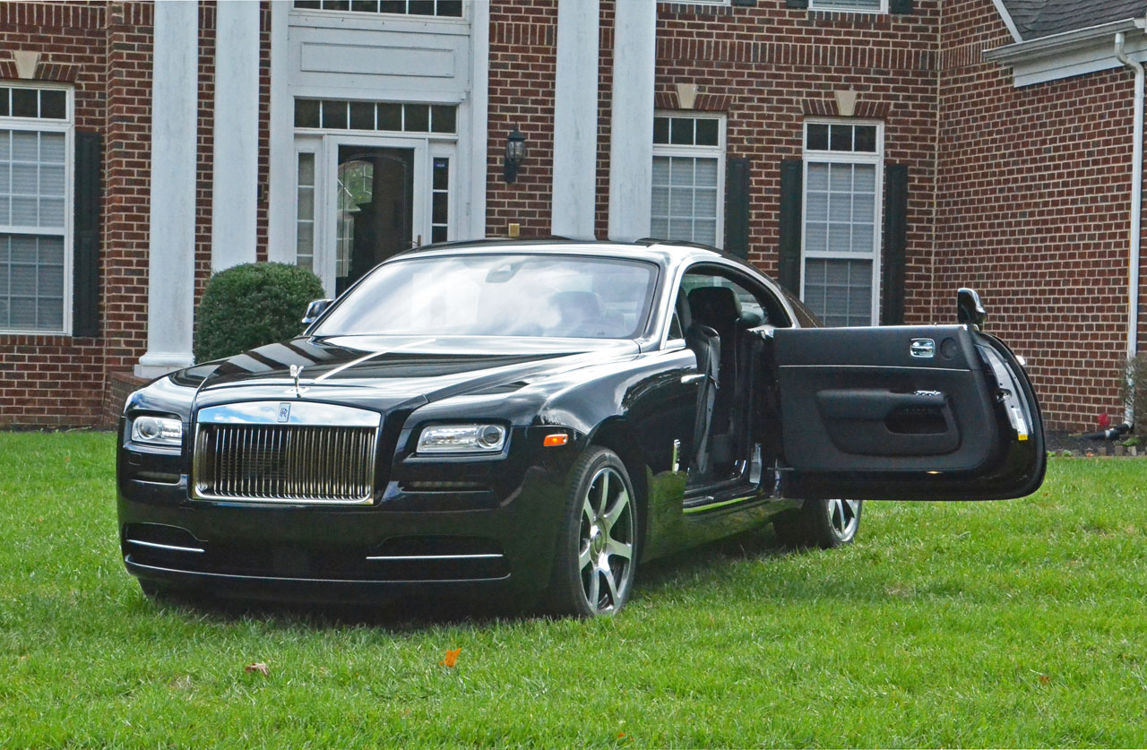 2016 Rolls-Royce Wraith Road Test Review | CarCostCanada™