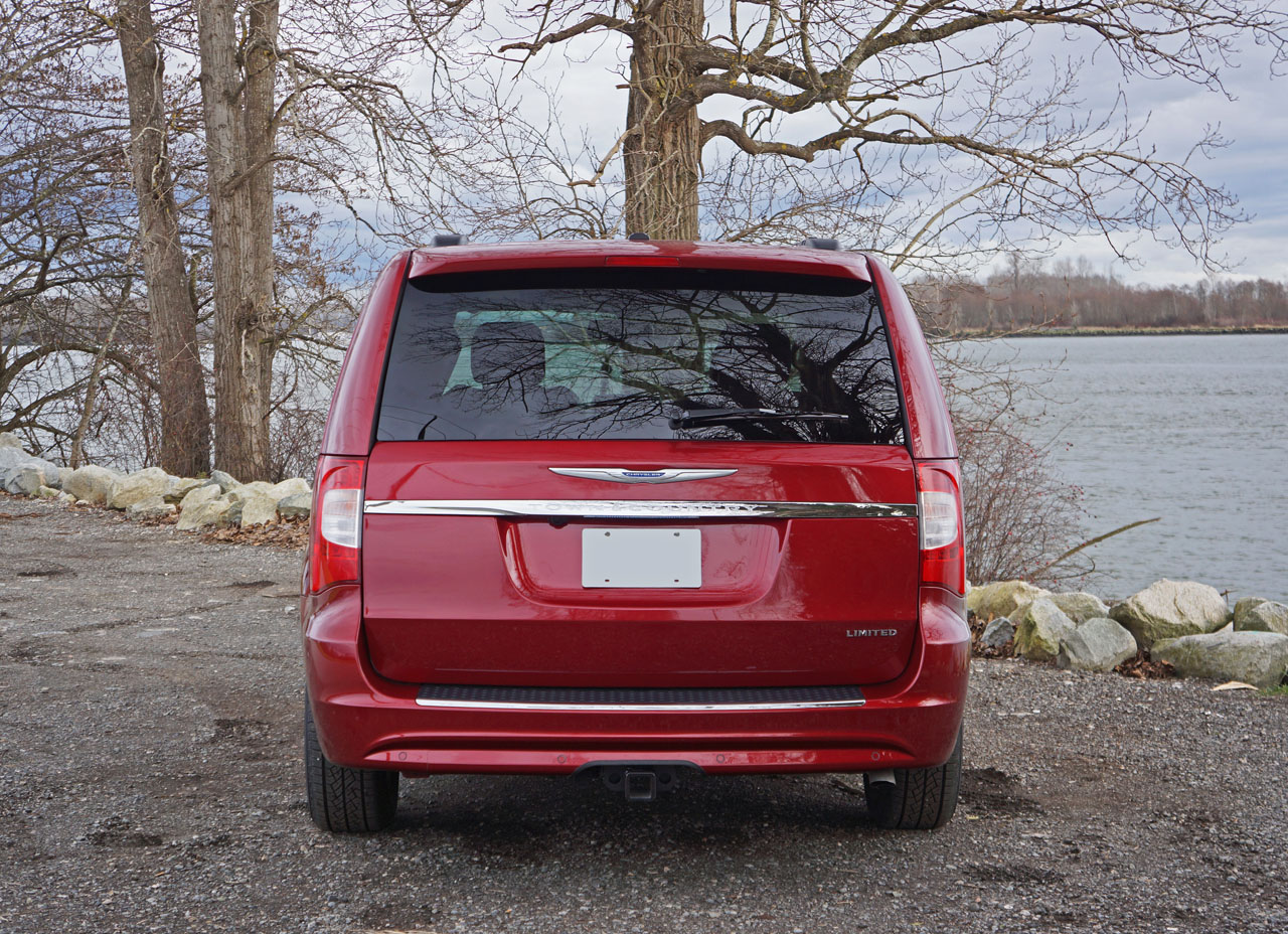 2016 Chrysler Town Country Road Test Review Carcostcanada 2005 Door Wiring