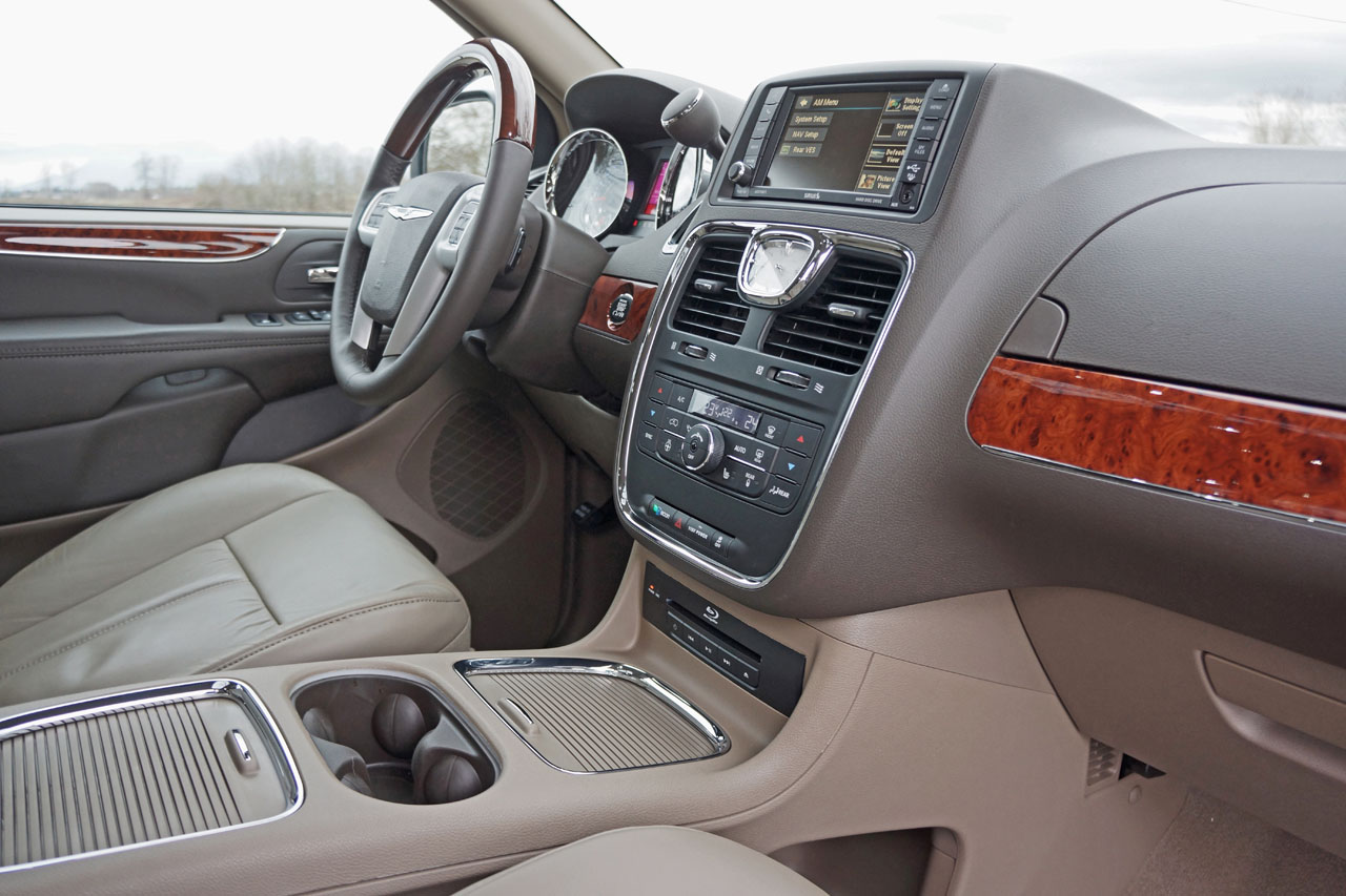 and road carcostcanada chrysler limited town gallery news test review country