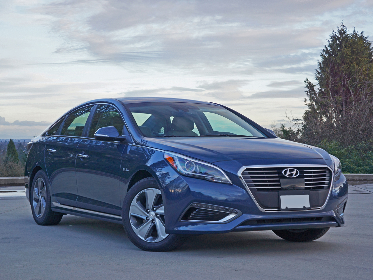 2016 Hyundai Sonata Plug-in Hybrid Ultimate Road Test Review