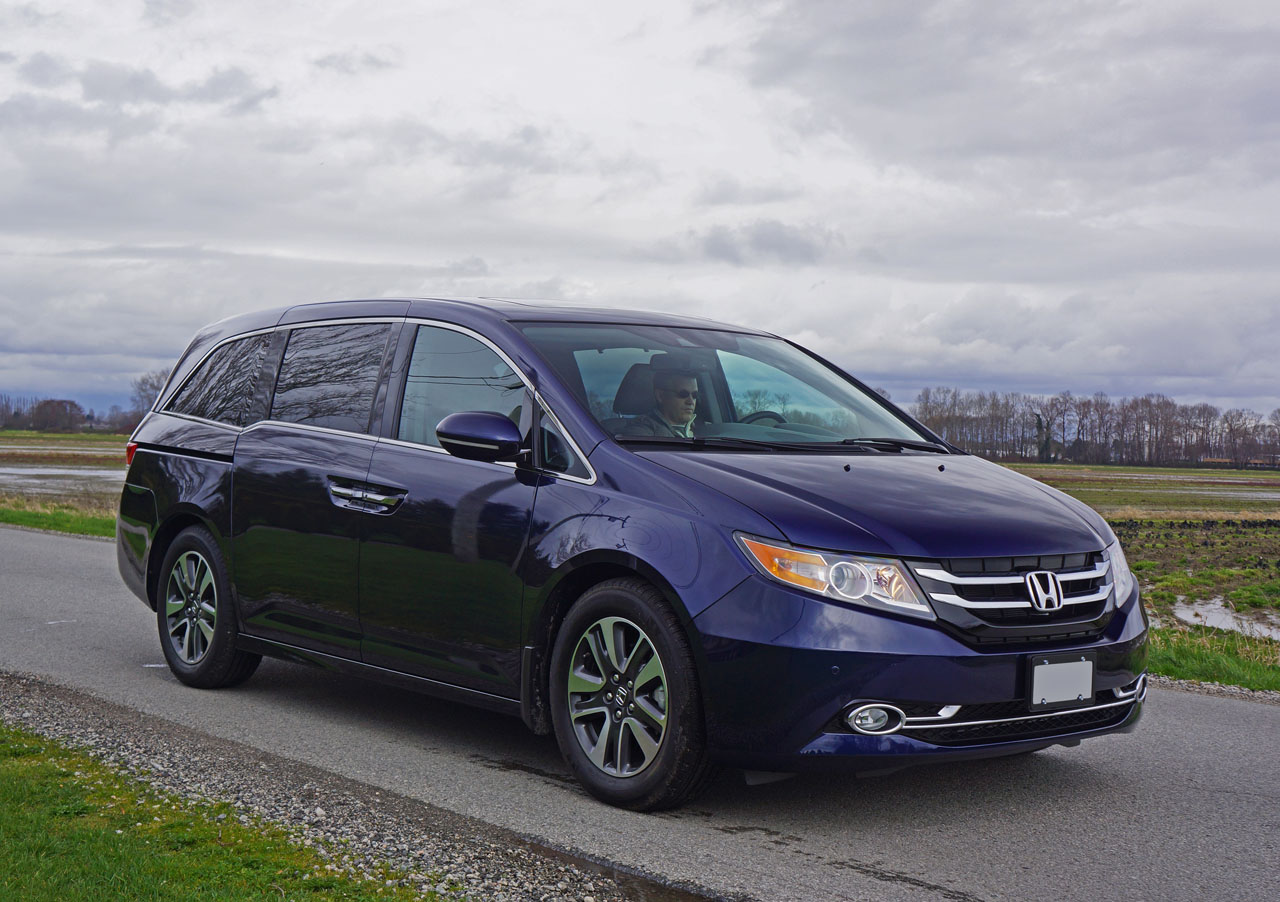 2016 honda odyssey touring road test review carcostcanada. Black Bedroom Furniture Sets. Home Design Ideas