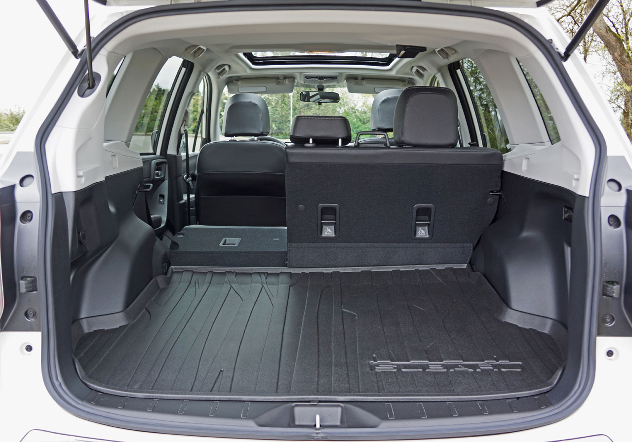 subaru forester 2017 trunk. Black Bedroom Furniture Sets. Home Design Ideas