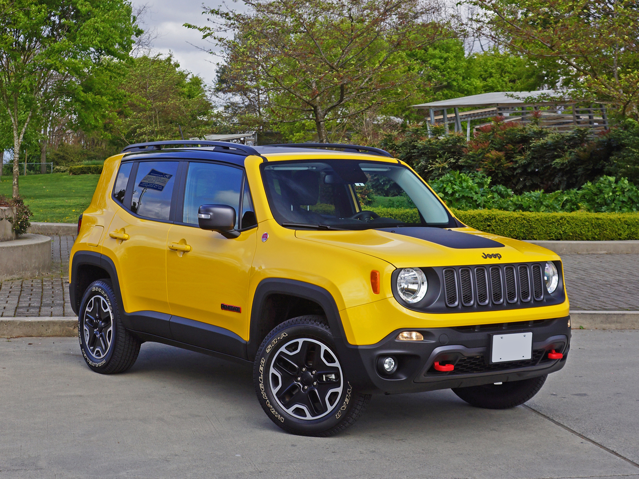 2016 jeep renegade trailhawk road test review carcostcanada. Black Bedroom Furniture Sets. Home Design Ideas