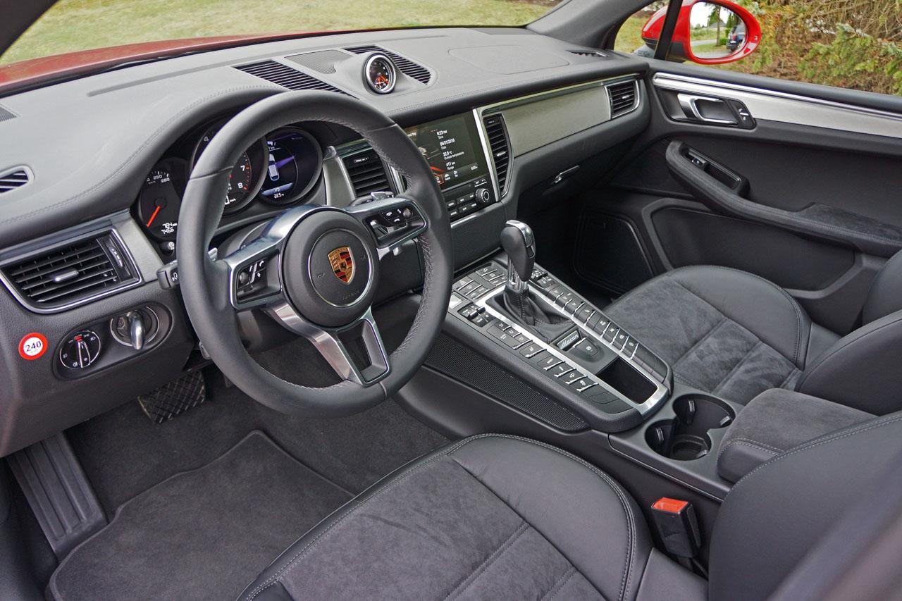 2017 Porsche Macan Interior Photos