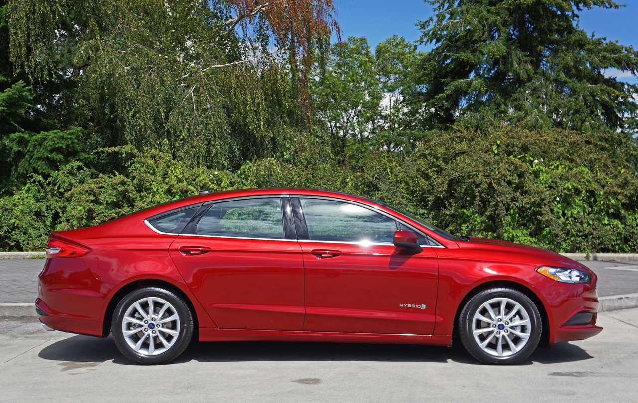 2017 ford fusion s hybrid road test review carcostcanada. Black Bedroom Furniture Sets. Home Design Ideas