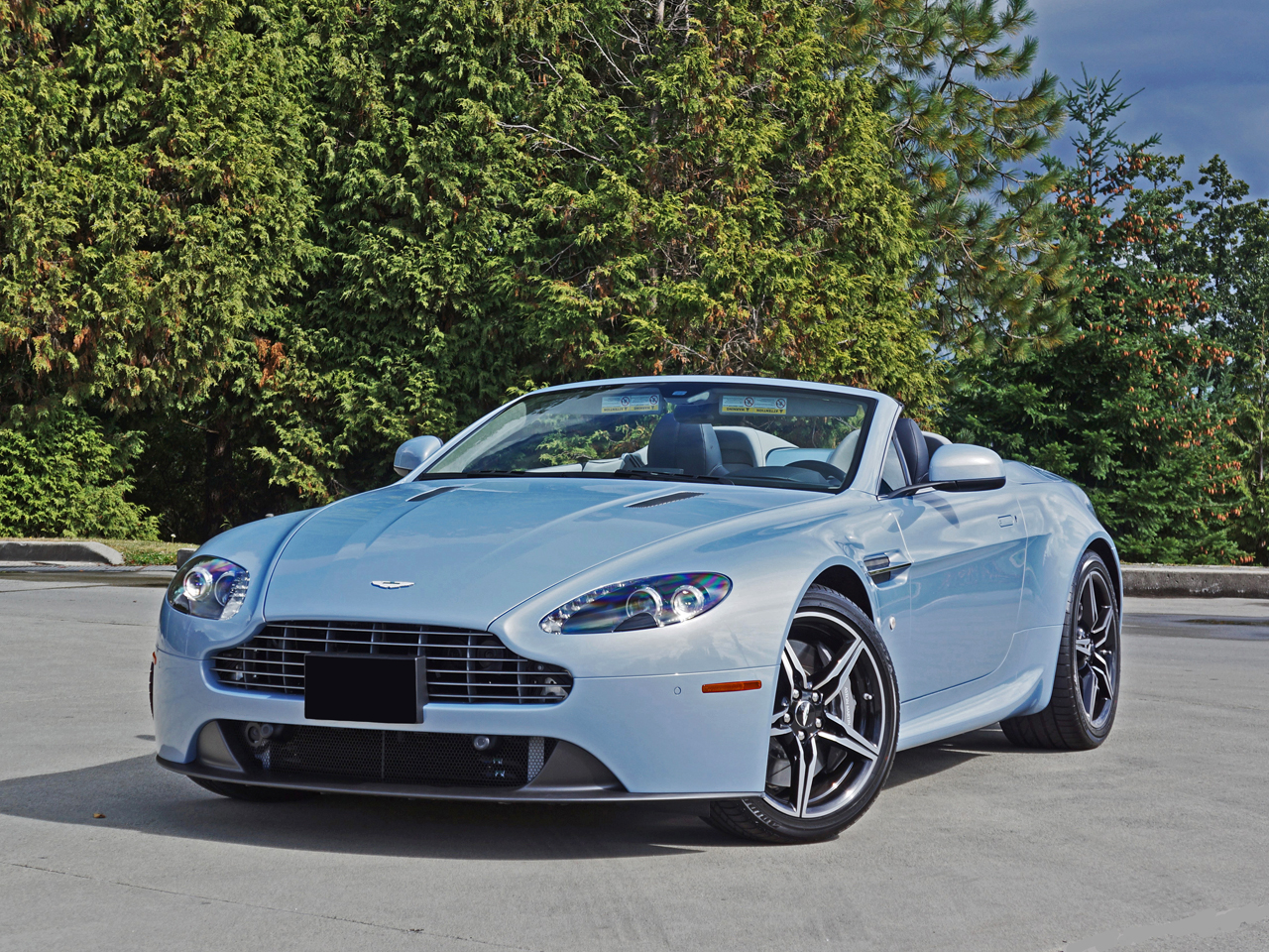 2016 aston martin v8 vantage roadster road test review carcostcanada. Black Bedroom Furniture Sets. Home Design Ideas