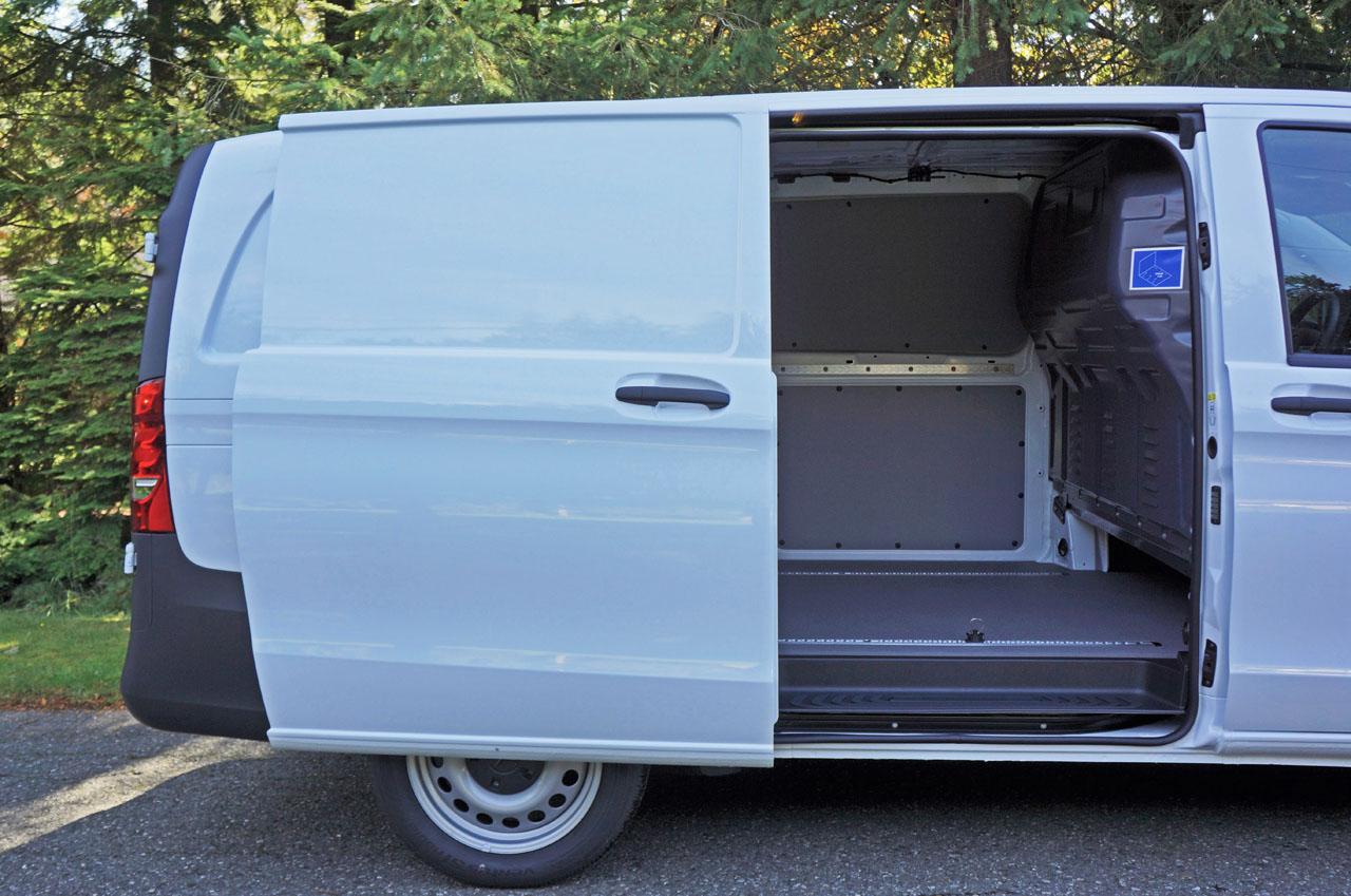 2017 mercedes benz metris cargo van road test review. Black Bedroom Furniture Sets. Home Design Ideas