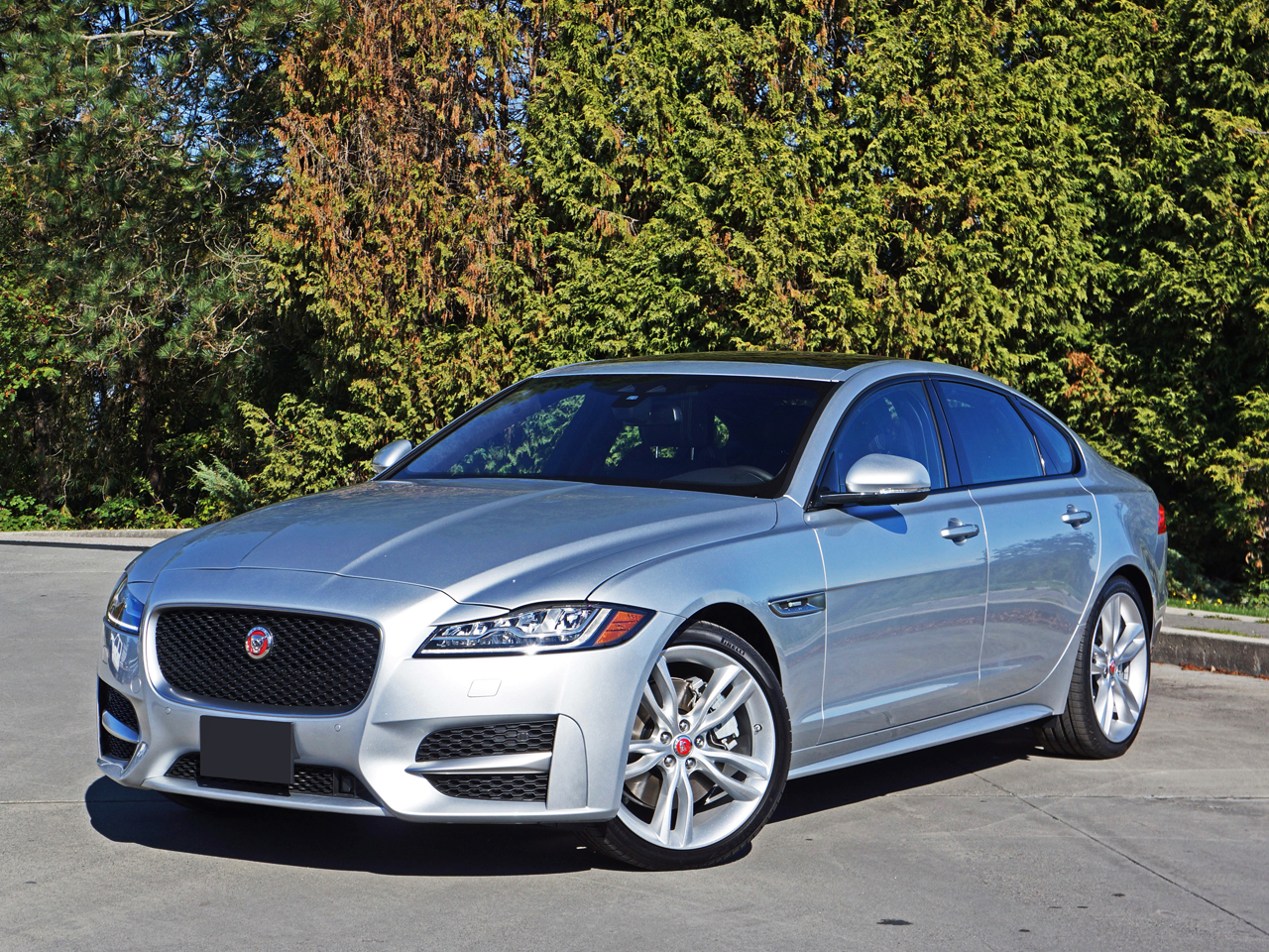 2017 Jaguar Xf R Sport 35t Awd Road Test Review